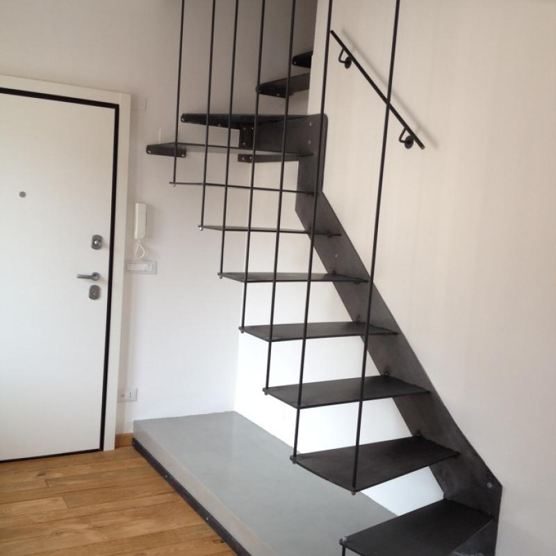 Escalier en métal intérieur