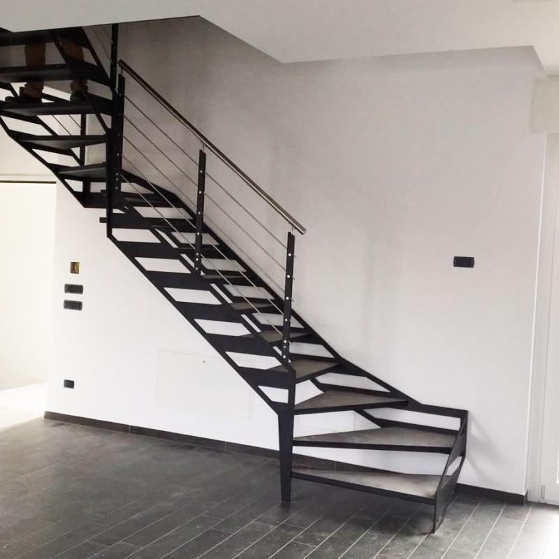 Escalier en métal pour intérieur