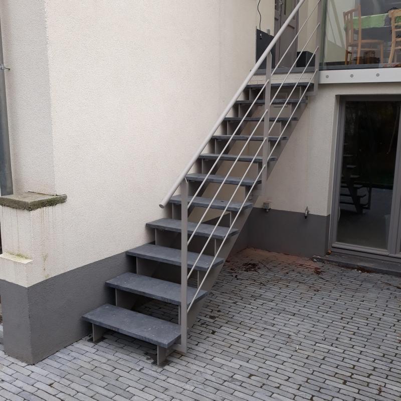 Escalier en acier extérieur
